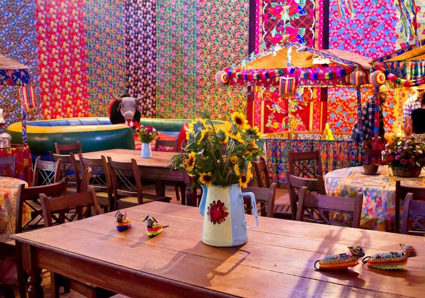 Decoraç u00e3o de festa junina veja fotos e inspire se! Blogs convidados Especiais GNT -> Decoração De Teto Para Festa Junina