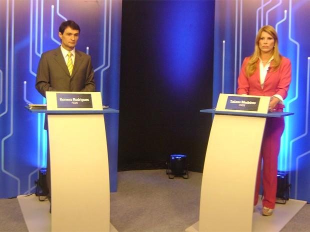 Romero Rodrigues e Tatiana Medeiros no estúdio para o debate (Foto: Taiguara Rangel/G1)