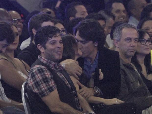 Paula Fernandes e o namorado, Henrique Do Valle, no Prêmio Multishow (Foto: Isac Luz/ EGO)