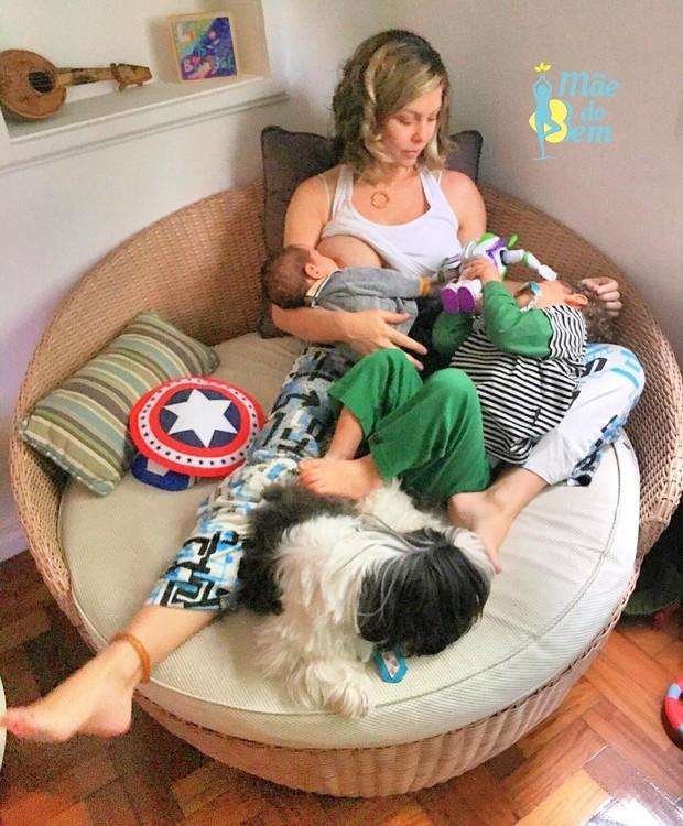 Bárbara Borges posa com os filhos (Foto: Reprodução / Instagram)