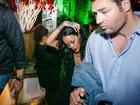 Rihanna curte festa com amigas no Rio