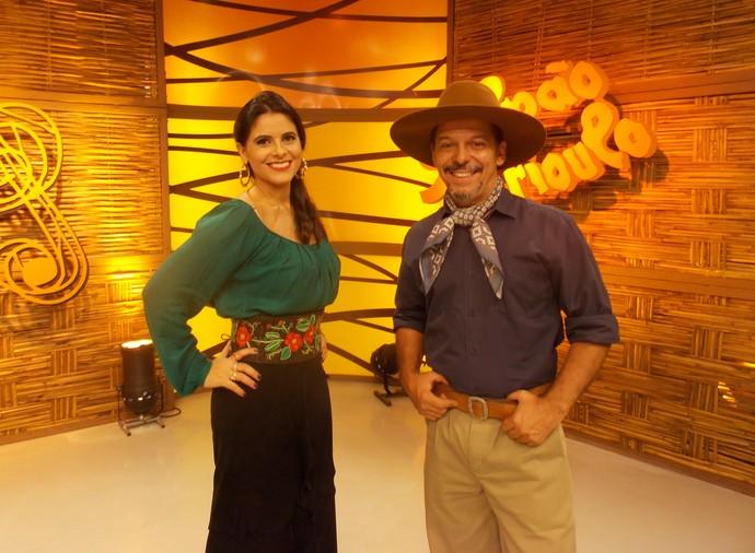 Shana Müller e Neto Fagundes galpão crioulo (Foto: Andrielle dos Santos/RBS TV)