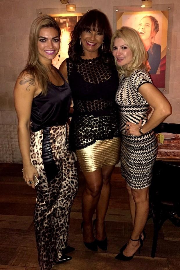 Kelly Key, Solange Couto e Antônia Fontenelle em evento no Rio (Foto: Divulgação)