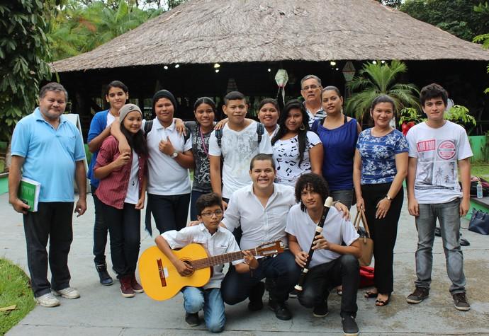 Alunos do C.M.A.E. Aníbal Beça (Foto: Katiúscia Monteiro/ Rede Amazônica)