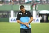 """Mancini minimiza chances reduzidas e brada: """"Temos que segurar a barra"""""""