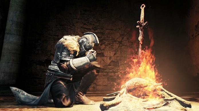 Lembre-se de queimar os itens úteis na fogueira (Foto: Divulgação)
