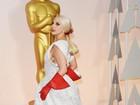 Vai fazer faxina? Lady Gaga usa luvas 'de limpeza' no Oscar e vira meme