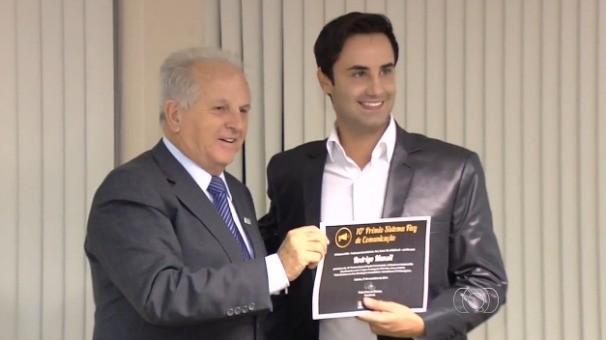 Rodrigo Mansi foi um dos profissionais envolvidos na produção da série 'Tem dinheiro no lixo'. (Foto: TV Anhanguera)
