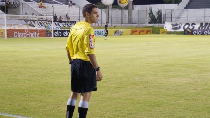 Zandick Gondim Alves Júnior - árbitro potiguar (Foto: Augusto Gomes/GloboEsporte.com)