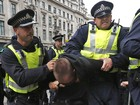 Em Londres, polícia reprime manifestantes contrários ao G8
