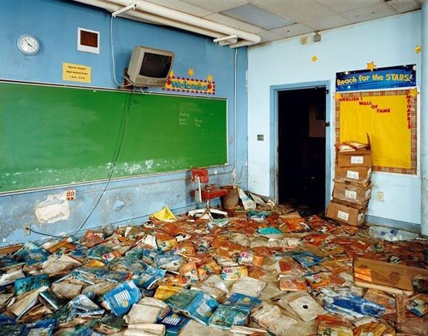 A imagem mostra a Classe 112, da escola Warren Easton High School, em Nova Orleans, Louisiana e foi feita em abril de 2006. Nova Orleans foi um dos lugares mais afetados pelo furacão Katrina em 2005 (Foto: Causa e Efeito/Wyatt Gallery)