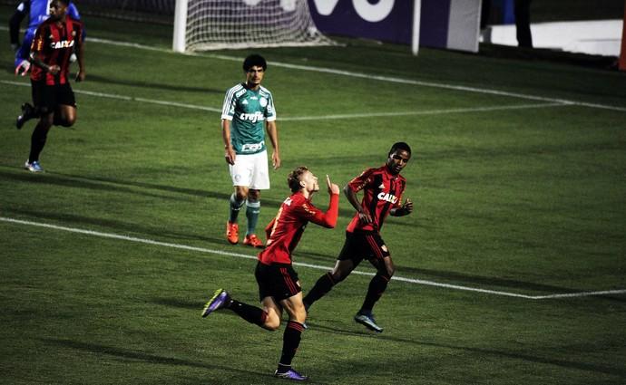 Gol do Sport contra o Palmeiras (Foto: Marcos Ribolli)