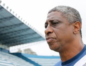 Julio Marinho, técnico do Goytacaz (Foto: Ag.Ururau/Divulgação)