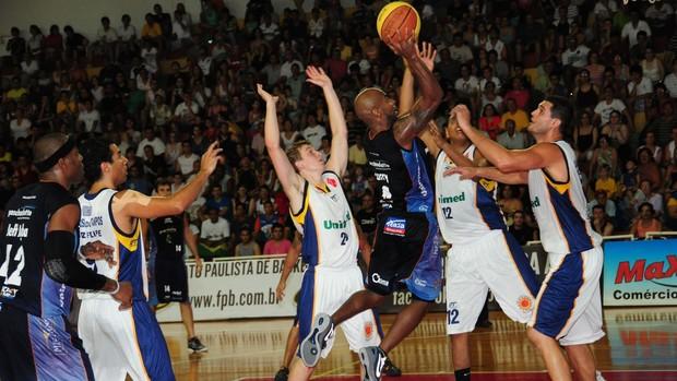 Bauru x São José - Paulista de basquete (Foto: Sérgio Domingues/HDR Photo)