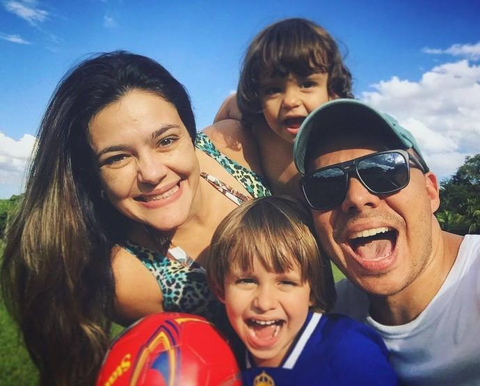 Mário contou que concilia bem toda a correria dos trabalhos com a família (Foto: Divulgação)