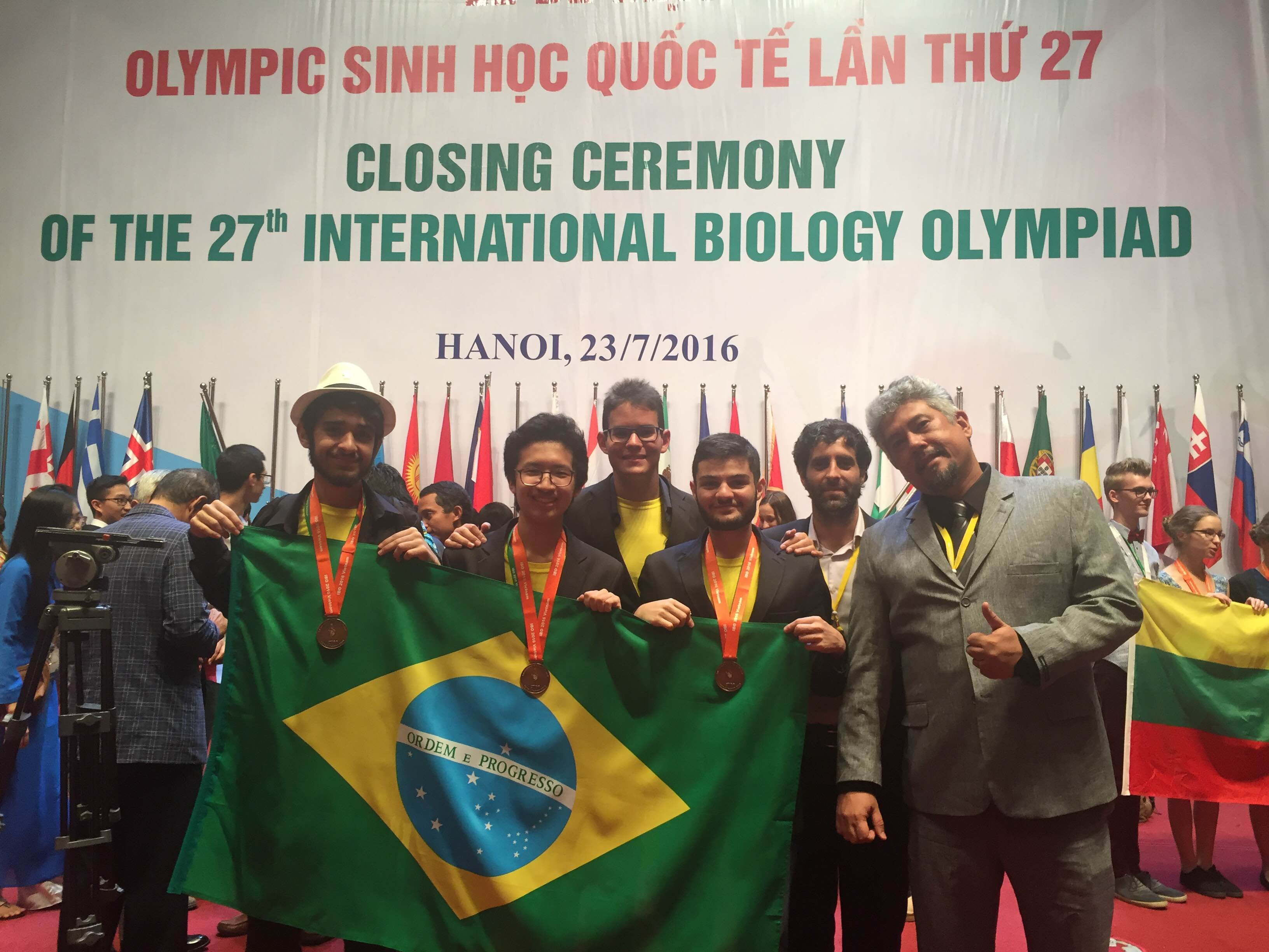Delegação brasileira na Olimpíada Internacional de Biologia (Foto: Divulgação)