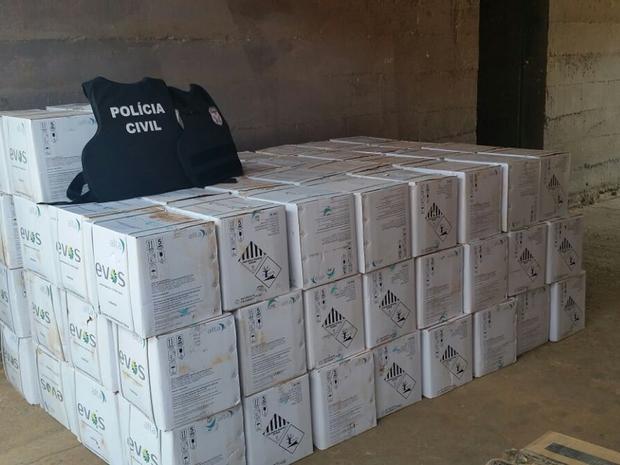 Defensivos são avaliados em R$ 140 mil (Foto: Divulgação/Polícia Civil)