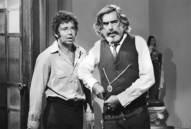 Juca Cipó (Emiliano Queiroz) e Pedro Barros (Gilberto Martinho) em Irmãos Coragem