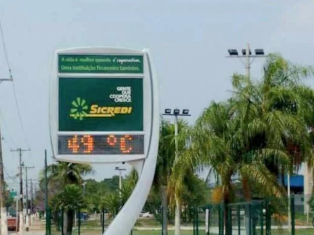 Termômetro registra 49°C em Corumbá, MS (Foto: Reprodução/ TV Morena)