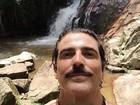 Reynaldo Gianecchini posta foto curtindo cachoeira: 'Namastê'