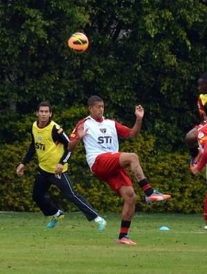Antonio Carlos treina no São Paulo (Foto: Site oficial do São Paulo FC)