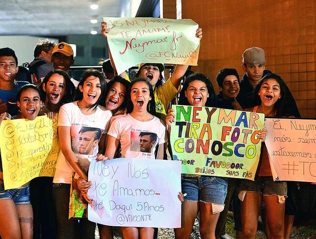Neymarzetes hotel Belo Horizonte seleção (Foto: Marcos Ribolli / Globoesporte.com)
