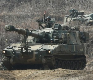 Soldados sul-coreanos participam do exercício militar. (Foto: Lim Byung-shick/AP/Yonhap)