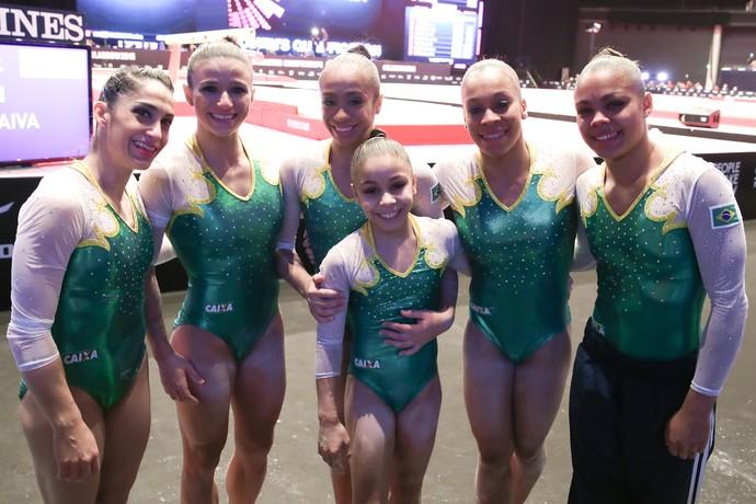 Equipe feminina do Brasil no Mundial de Glasgow (Foto: Ricardo Bufolin/CBG)