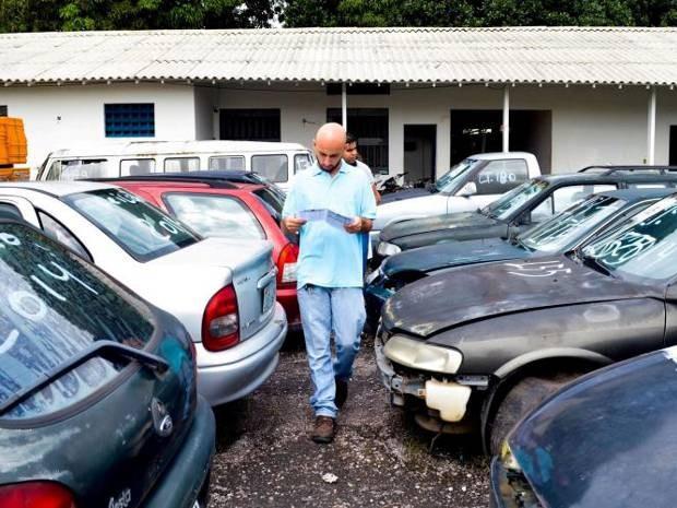 Semob promove na próxima quarta (25), em Belém,  leilão dos veículos que estãohá mais de 90 dias no pátio de retenção do órgão. (Foto: Tássia Barros/Comus)