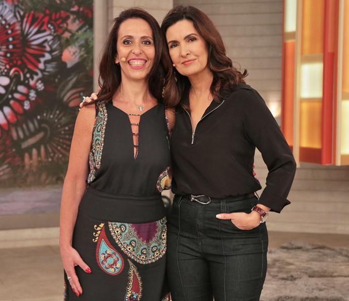 Convidada tira foto com a Fátima depois do programa  (Foto: Isabella Pinheiro/Gshow)