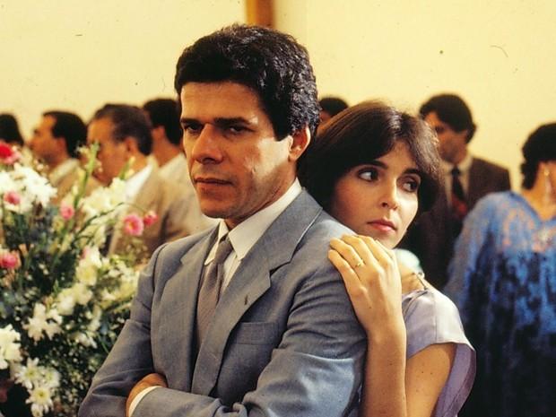 Edson (José Mayer) e Lenita (Deborah Evelyn) em A Gata Comeu