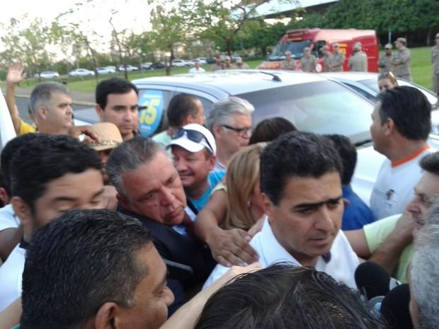 Emanuel Pinheiro (PMDB), após o resultado da eleição (Foto: André Souza/ G1)