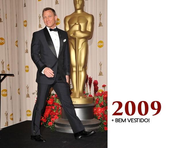 Craig está mais do que sorridente porque ele sabe que é o homem mais bem vestido do Oscar de 2009. Isso ou ele está fazendo um teste para ser o Ken (ao vivo) da Barbie (Foto: GQ)