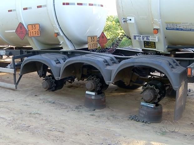 Este foi o terceiro roubo de rodas de caminhão registrado no Tocantins, segundo a PRF (Foto: Reprodução/TV Anhanguera)