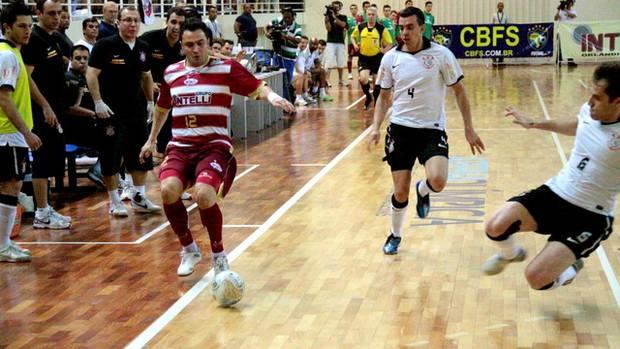Falcão futsal Orlândia contra Corinthians (Foto: Márcio Damião / Divulgação)