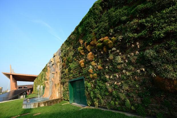 Cidade de Rozzano tem o maior jardim vertical do mundo. (Foto: Olivier Morin/AFP)