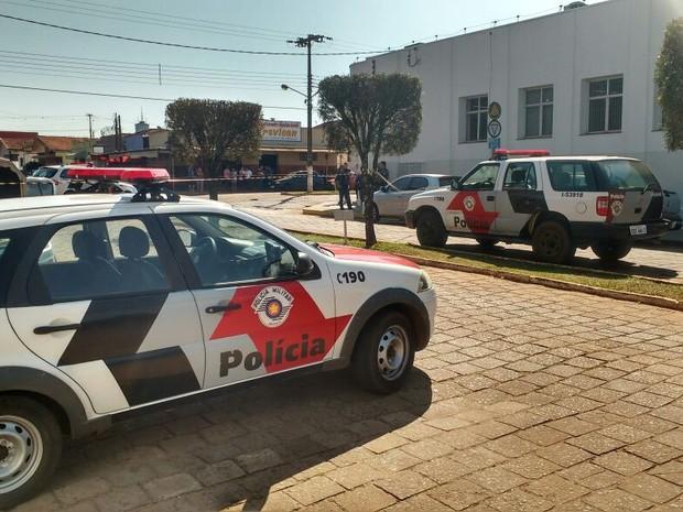 Criminosos assaltaram agência bancária em Manduri (Foto: Adolfo Lima/ TV TEM)