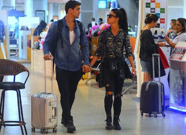 Felipe Roque e Aline Riscado (Foto: William Oda/AgNews)