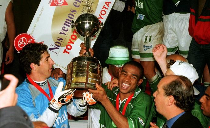 Sérgio Cesar Sampaio Palmeiras Libertadores 1999 (Foto: Agência Estado)