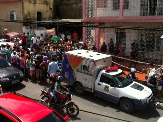 Casa onde morava o irmão e tio das vítimas, em Manaus (Foto: Adneison Severiano/G1 AM)