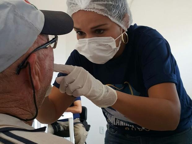 Ação levou serviços médicos e odontológicos a motoristas (Foto: Ana Quadros/Sest/Senat)