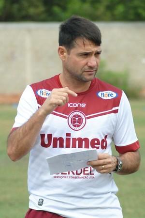 Fabiano Rossato, técnico da Desportiva Ferroviária (Foto: Henrique Montovanelli/Desportiva Ferroviária)