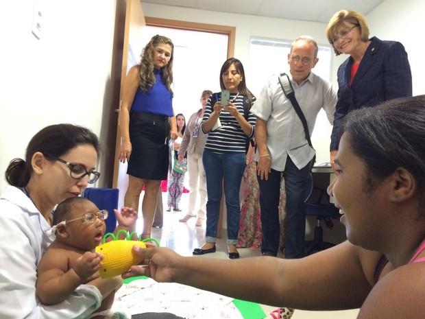 PE será exemplo em plano global do Unicef para bebês com microcefalia (Foto: Thays Estarque/G1)