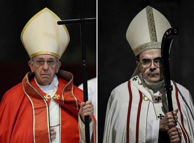 Papa Francisco (esq) recebeu nesta sexta-feira (20) no Vaticano o cardeal francês Philippe Barbarin (Foto: Jeff Pachoud e Filippo Monteforte/AFP)