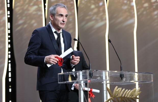 """Olivier Assayas recebeu o prêmio de melhor diretor """"Personal Shopper"""" na 69ª edição do Festival de Cannes. (Foto: Alberto Pizzoli/France Presse)"""