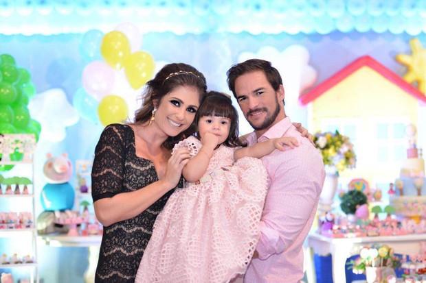 Ex-BBB Rodrigo comemora aniversário de Valentina (Foto: Karitha Oliveira)
