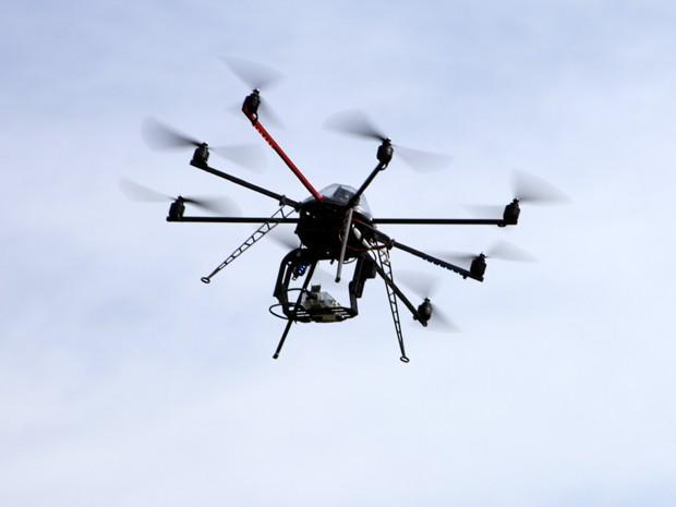 Equipamento tem autonomia de voo de até 40 minutos, diz pesquisador (Foto: Fernanda Vilela/Divulgação USP)