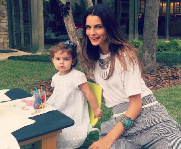Fernanda Motta posa ao lado da filha Chloe (Foto: Arquivo Pessoal)