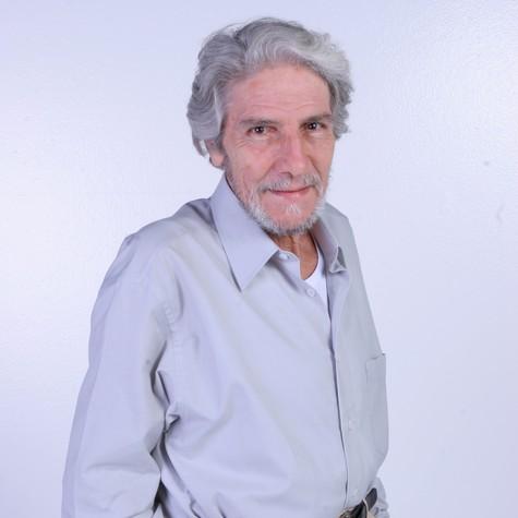 Cláudio Cavalcanti: volta à TV em 'Sessão de terapia' (Foto: Lourival Ribeiro/SBT)