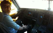 Cauê Sciascia Borlina no simulador de aviação (Foto: Arquivo pessoal)